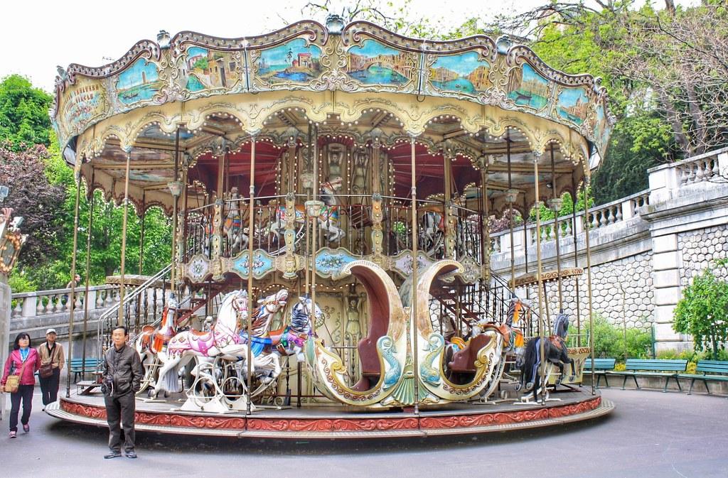 Carousel Sacre Coeur Paris