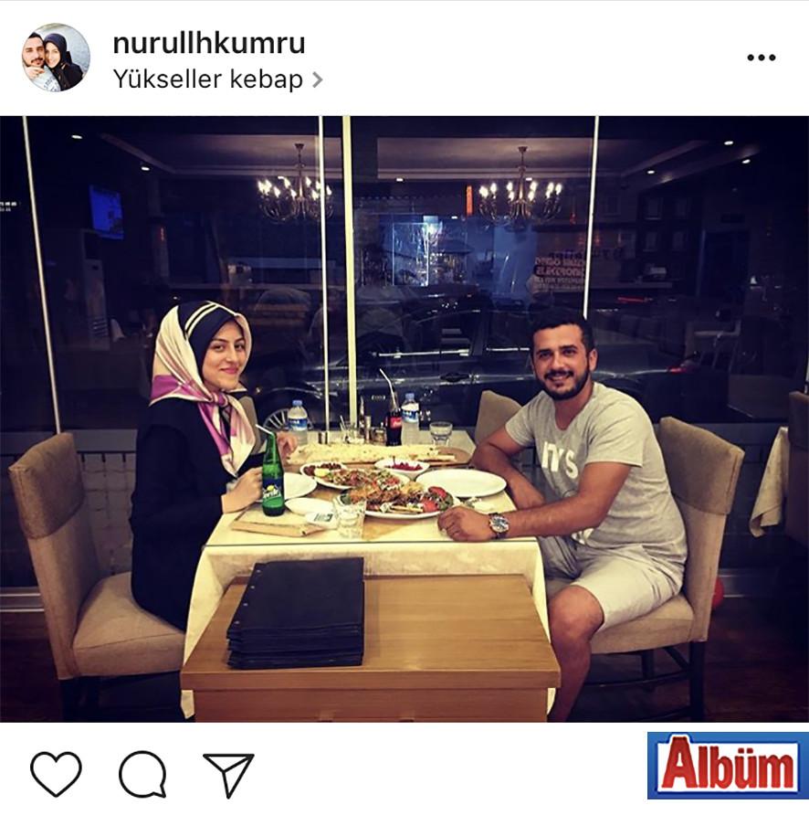 Nurullah Kumru ve nişanlısı Berna Boz, Yükseller Kebap'tan bu fotoğrafı paylaştı.