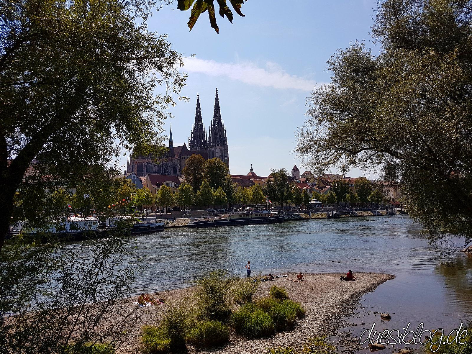 Regensburg Steinerne Brücke Donauufer Travelblog duesiblog 16
