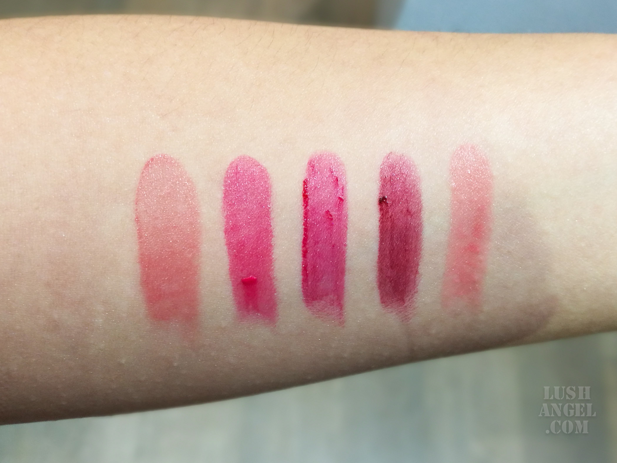 make-up-for-ever-artist-rouge-light-swatch