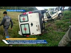 Caminhão invade pista contrária e mata ao menos 15 em rodovia do ES