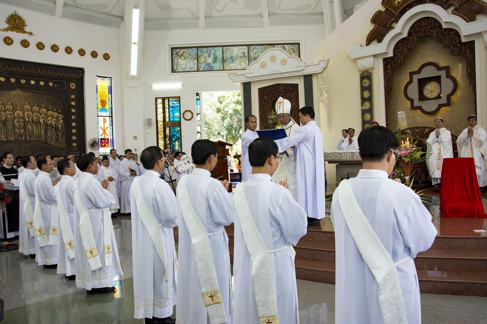 Đan Viện Thánh Mẫu Phước Sơn : Thánh Lễ Truyền Chức Linh Mục - Ảnh minh hoạ 9