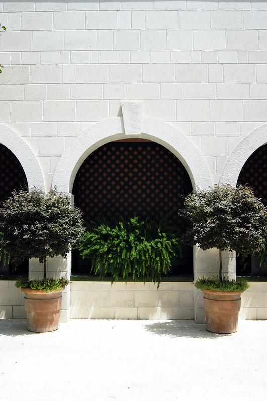 Арки в архитектуре комплекса