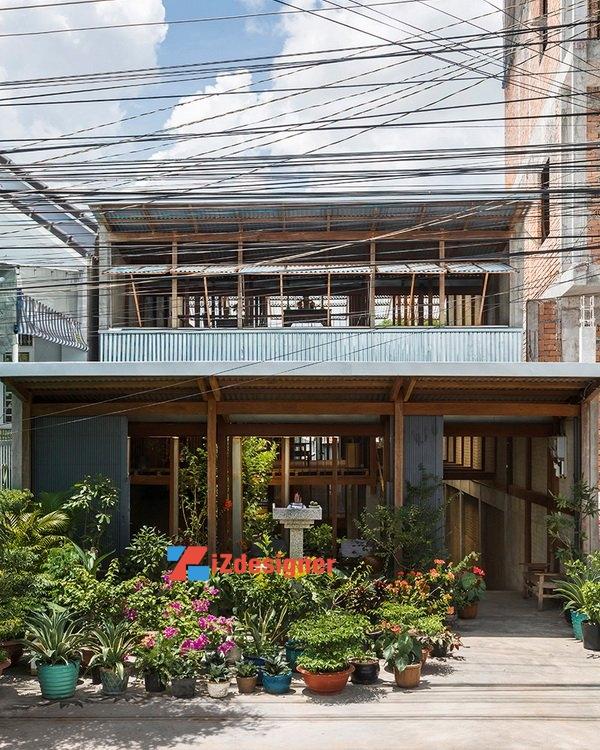 Những ngôi nhà làm bằng tôn sóng ở An Giang