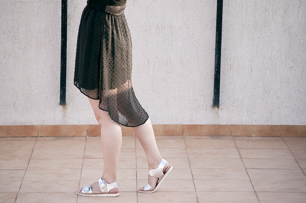 something fashion blogger influencer streetstyle spain valencia outfits summer sheer dress inspiration_0533