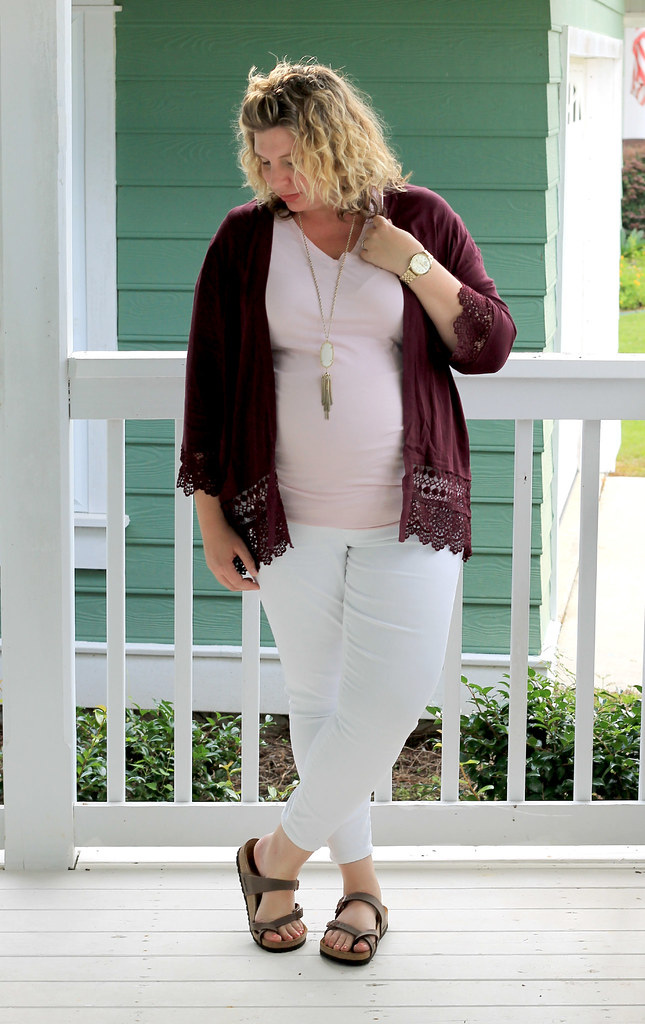 garnet kimono, maternity pink tee and white jeans 6