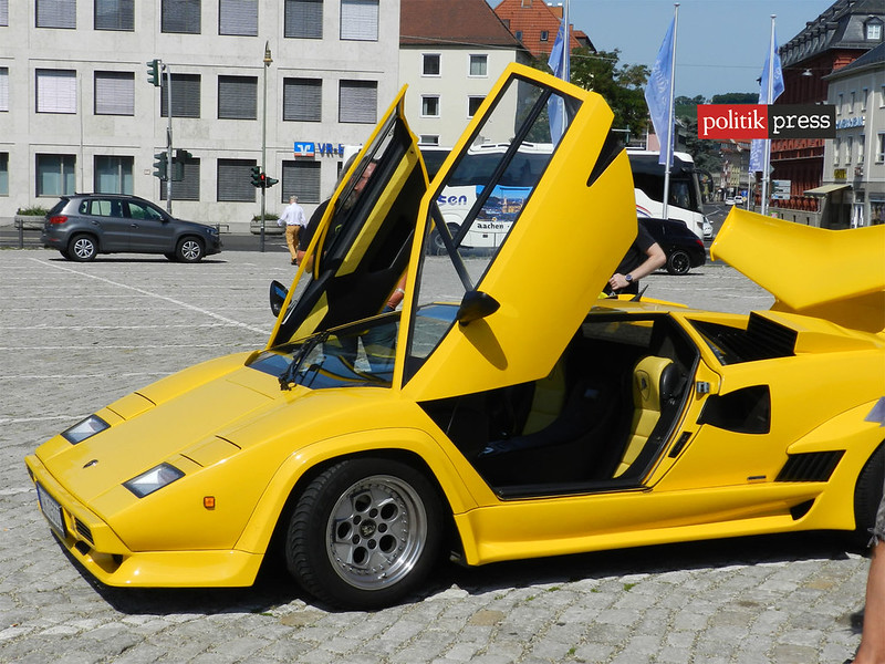 Lamborgini amarilla auto Bayern politikpress