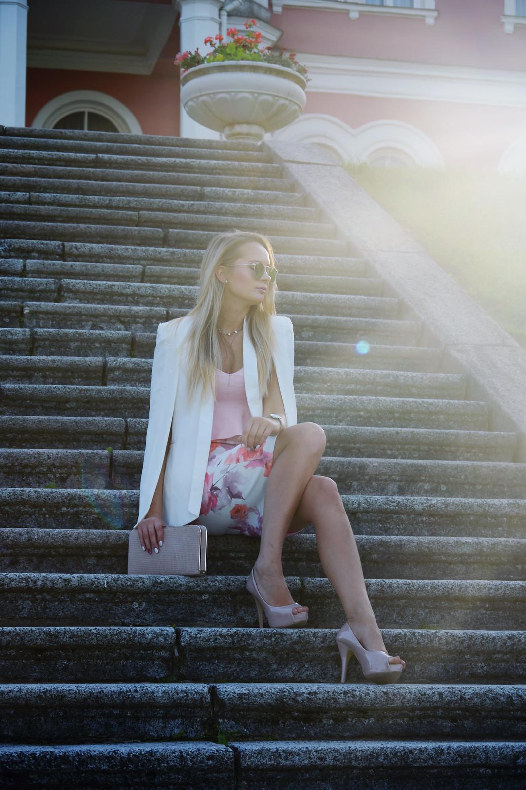 Floral print midi skirt