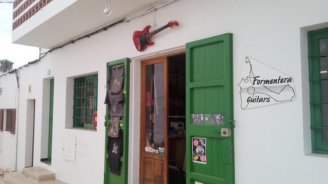 Formentera Guitars