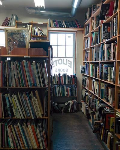 Eliot's Bookshop (4) #toronto #yongestreet #yongeandwellesley #eliotsbookshop #bookstore #usedbooks #books
