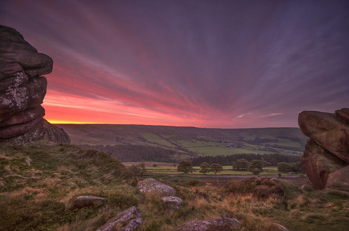 ramshawrocks roaches staffordshire thepeakdistrict derbyshire framed naturalframe dawn spectacular sunrise ridge framing nikond7000 sigma1020mmf4 landscapes landscapephotography