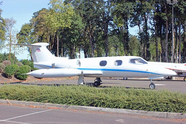 Learjet 24 N203JL