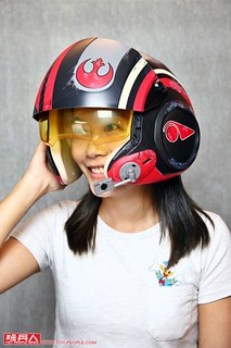 絕對值得擁有的反抗軍王牌駕駛頭盔!孩之寶《星際大戰:最後的絕地武士》黑標系列「波·戴姆倫」電子頭盔開箱報告