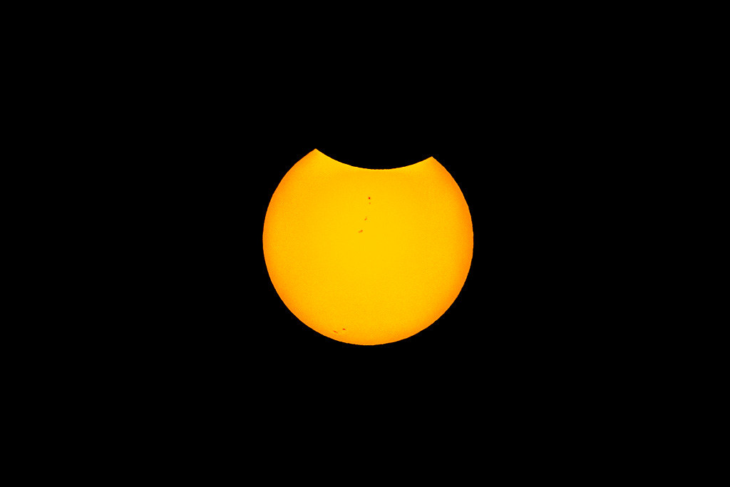 20170821_Sun_spots_eclipse_001