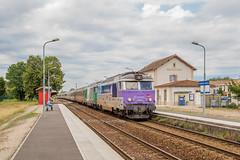 07 aout 2017 BB 67576-67543  Train 3854 Bordeaux -> Nantes St André-de-Cubzac (33) - Photo of Saint-Genès-de-Fronsac