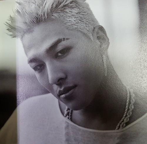 Taeyang WHITE NIGHT RED Edition (34)
