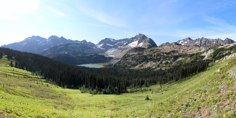 Panorama of the Lyman Lakes basin from Cloudy Pass