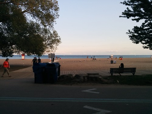 Looking south #toronto #woodbinebeach #beaches #lakeontario #boardwalk #evening #latergram