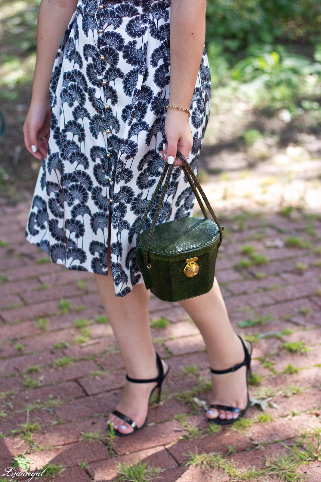 kate spade japanese floral dress, green box bag, brunch outfit-5.jpg