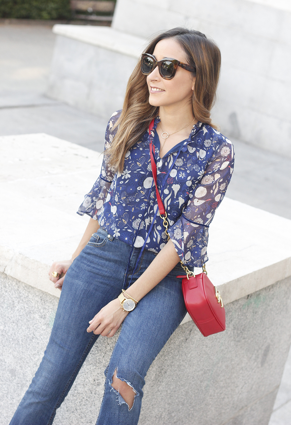 flared jeans liu jo blue blouse uterqüe boho outfit fashion style02