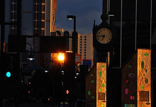 reno nevada sunrise clock donbachman sunreflection virginiastreet city plaza