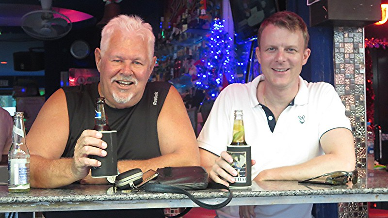 Beer Babes LadyBoys Pattaya Soi 6 - The Five Star Vagabond