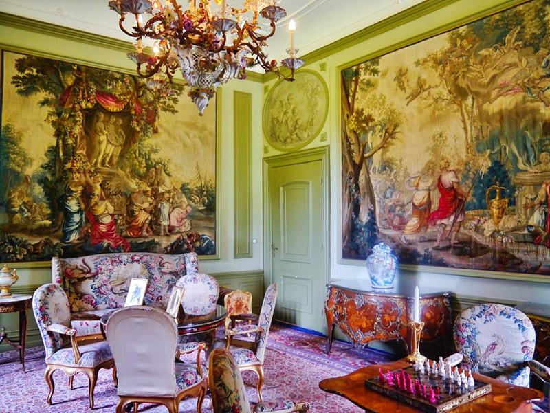 Living Rooms of the (German) Imperial Family at Doorn House. Credit Zairon