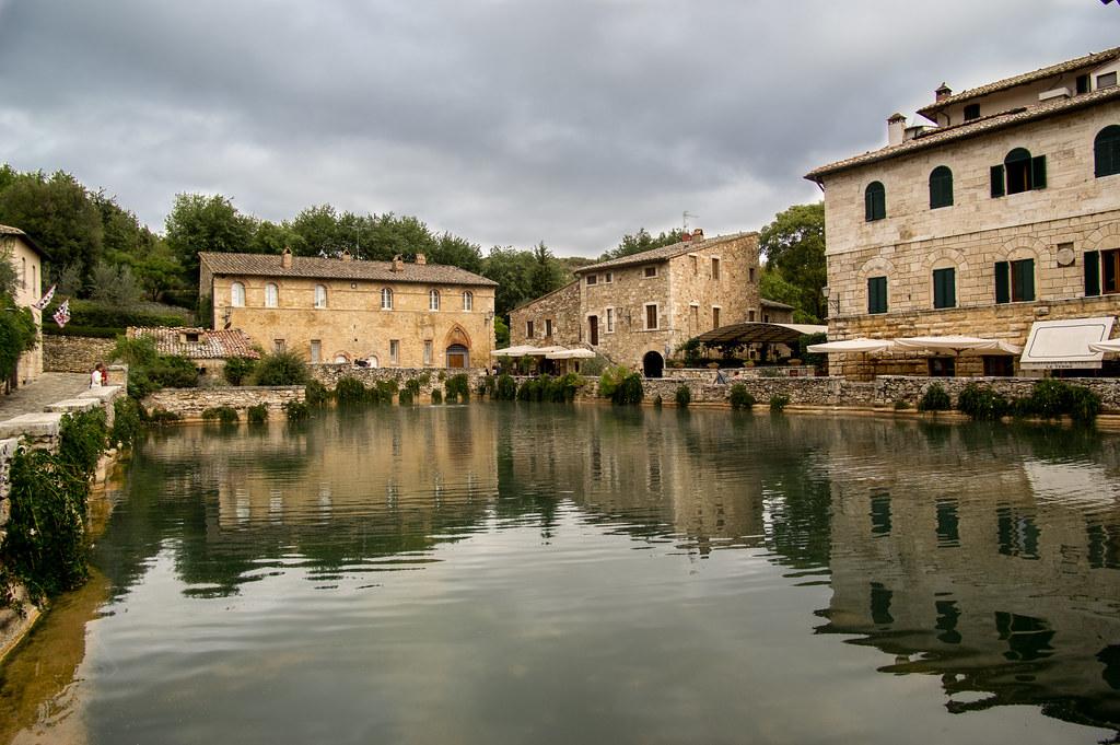 Bagno vignoni val d 39 orcia italy tripcarta - Albergo le terme bagno vignoni ...