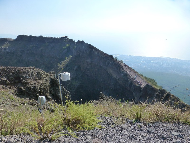 Vesuvius: sensor equipment on rim