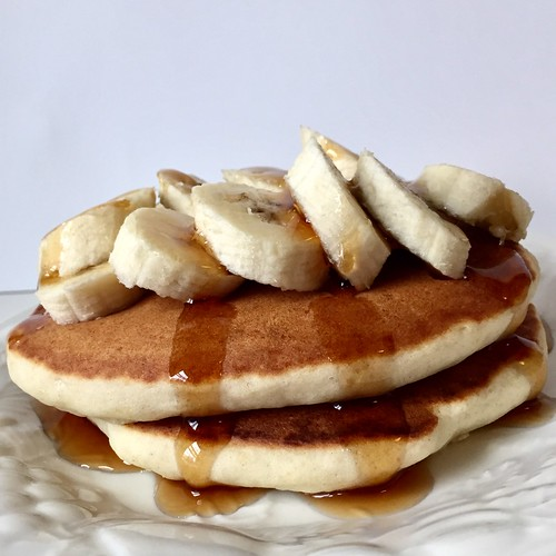 Weekend breakfast: Banana pancakes