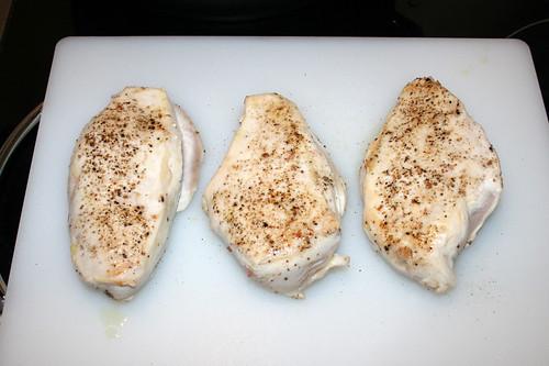 34 - Hähnchenbrüste bei Seite stellen / Put chicken breasts on side