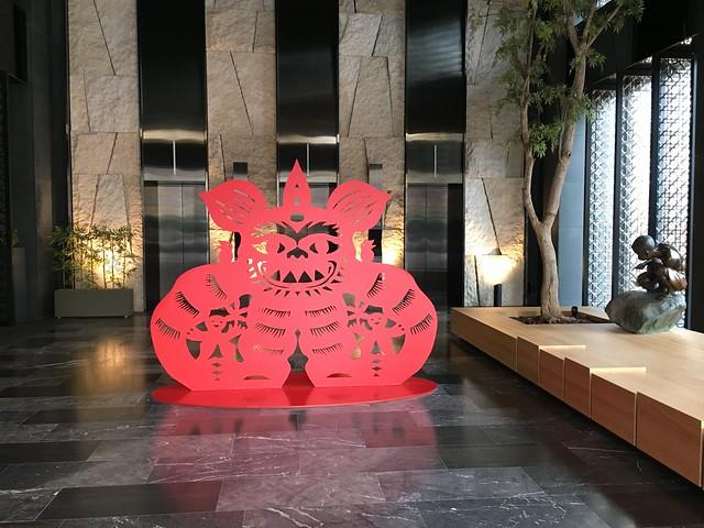 門前的傳統剪紙圖騰@高雄Hotel dùa住飯店