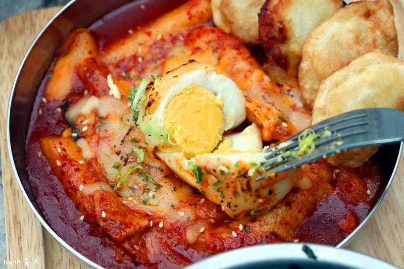 36679662503 b6bdab4507 b - 熱血採訪   KATZ 卡司複合式餐廳二店,超人氣創意美韓料理,奶蓋咖哩烏龍麵好吃!
