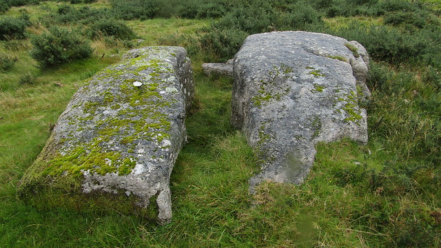 Lower outcrop on Bee Tor
