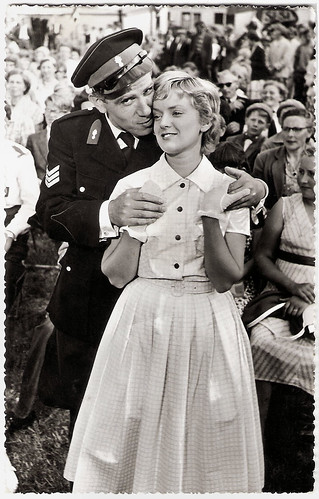 Ineke Brinkman and Wim van den Heuvel in Fanfare (1958)
