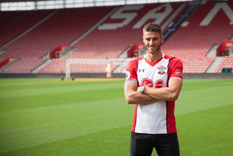 Saints sign Wesley Hoedt