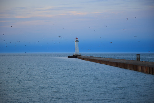 soduspoint soduspointbeachpark lakeontario greatlakes newyork ny lake beach water lighthouse pier sunset goldenhour canon6d canon 6d spring