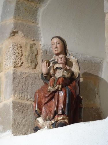 2017-08-13 - Ternand, vieux village, Eglise St Jean-Baptiste, Statue de la Vierge romane (12e) (2)