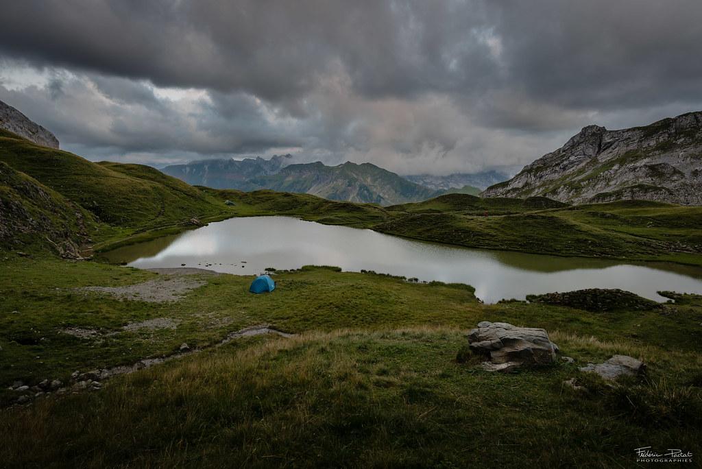 Soirée sous les nuages au Lac de Peyre
