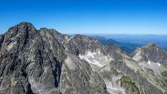 Widok z Kieżmarskiego Szczytu (2536m) -  Durny Szczyt (2621m), Baranie Rogi (2526m) i Kołowy Szczyt.
