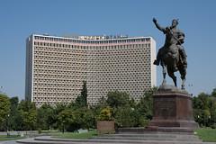 Amur Timur and the Hotel Uzbekistan in Amir Timur Square
