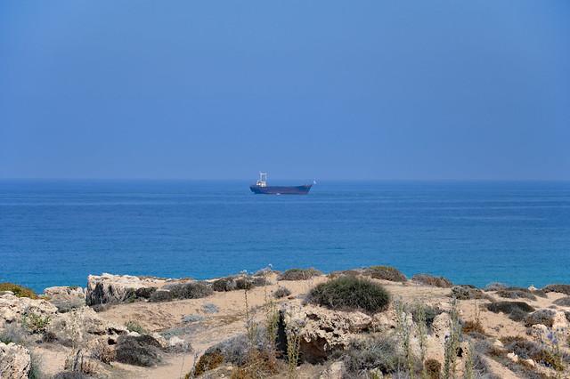 Stranded ship Z tonyra, Nikon D3200, AF-S DX VR Zoom-Nikkor 18-105mm f/3.5-5.6G ED