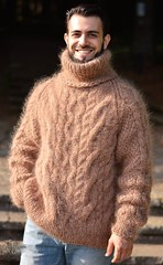 Men aranstyle turtleneck mohair jumper
