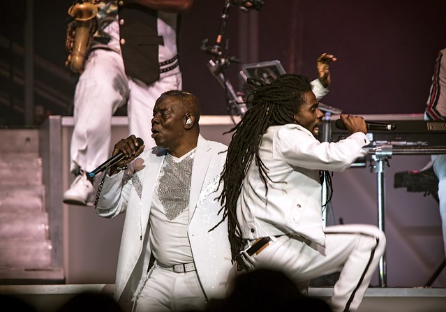 Earth, Wind & Fire 22