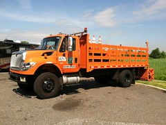 New Jersey Turnpike Authority 2016 International 7400 SBA 4x2 stake rack - truck No. 425-7_1
