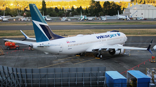 Boeing 737 MAX 8 WestJet C-FNAX