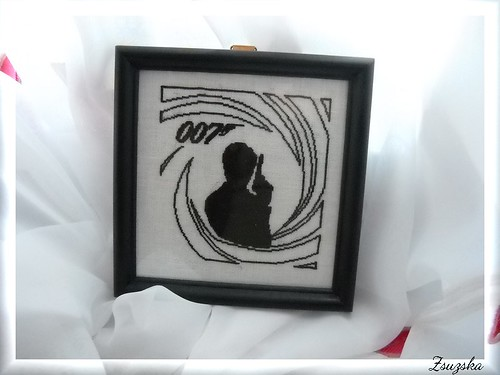 JamesBond, 007, cross stitch , mini