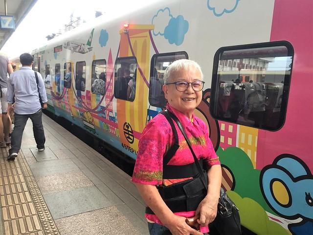 搭乘普悠瑪火車 (11)