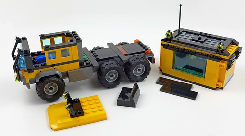 LEGO City Jungle 60160 Jungle Mobile Lab 49
