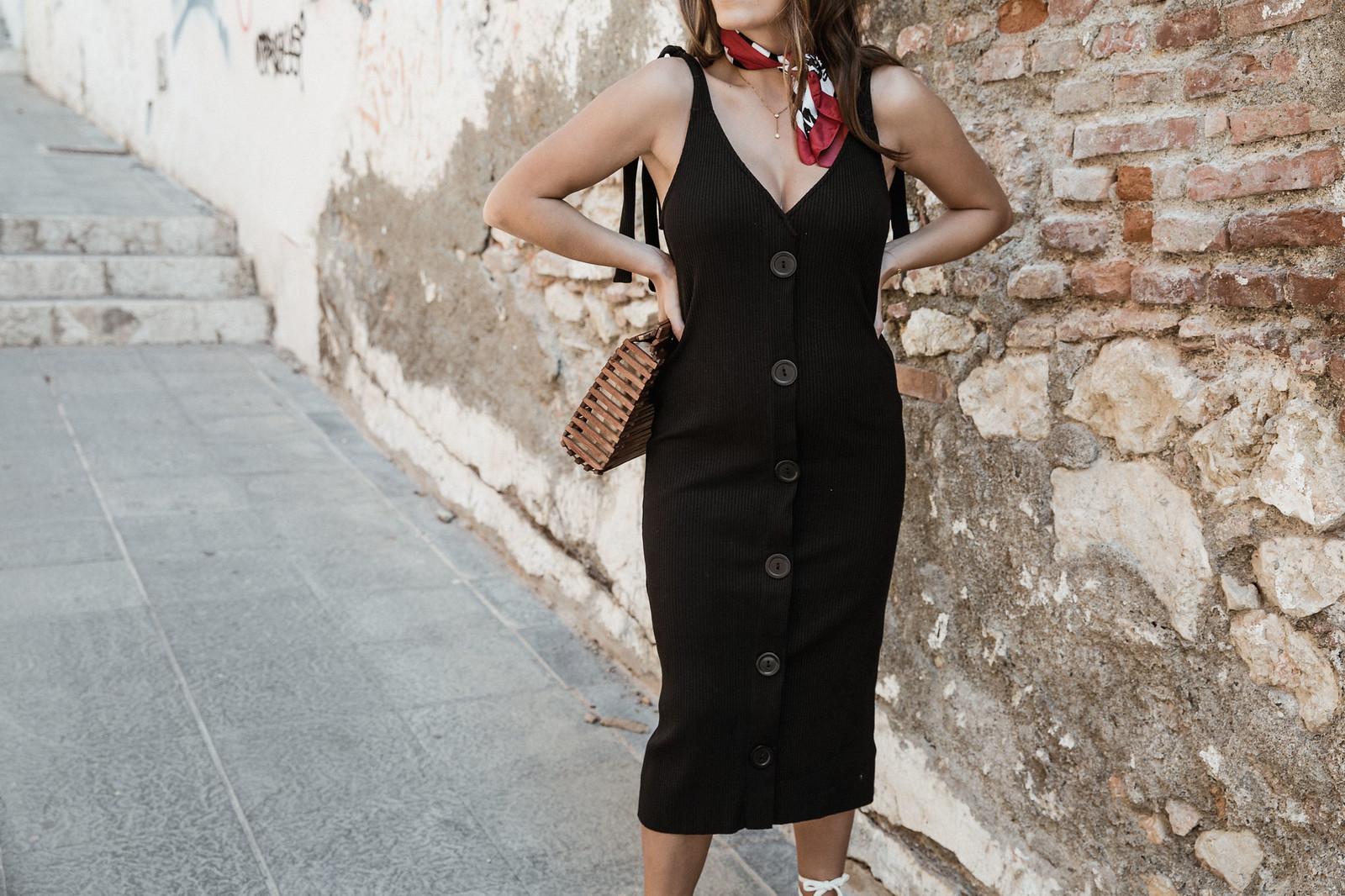 seams for a desire - jessie chanes - black tight dress - zara-8